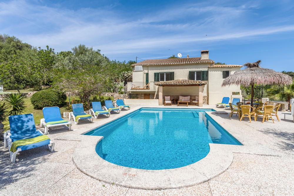 Property Image 1 - Wonderful Peaceful Villa Only Walking Distance of Pollensa, Breathtaking Country Views and Pool