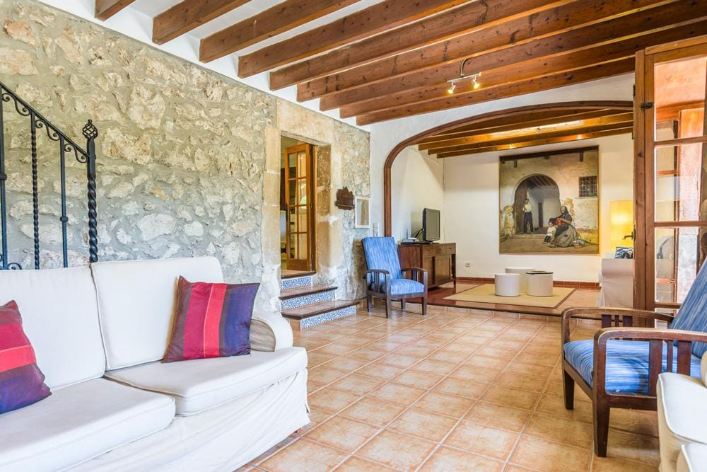 Property Image 2 - Wonderful Peaceful Villa Only Walking Distance of Pollensa, Breathtaking Country Views and Pool