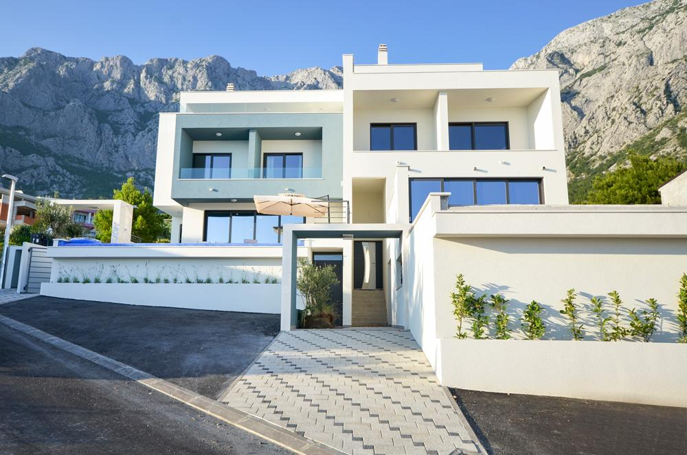 Property Image 1 - Modern Villa with Stunning Sea and Mountain Views