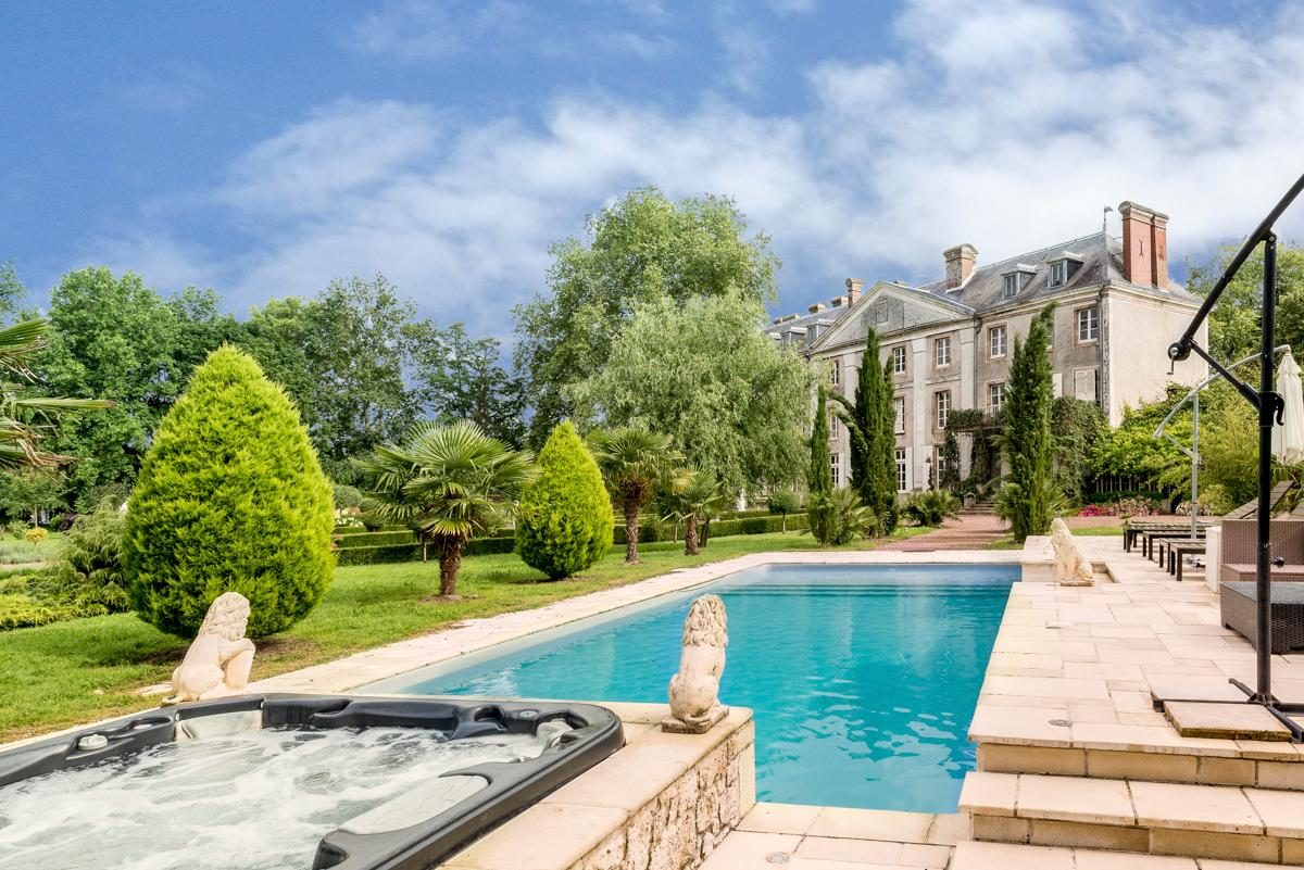 Property Image 1 - Marvellous Luxury Chateau with 7 Acres of Magnificent Gardens Including a Pool, Sauna and Moat