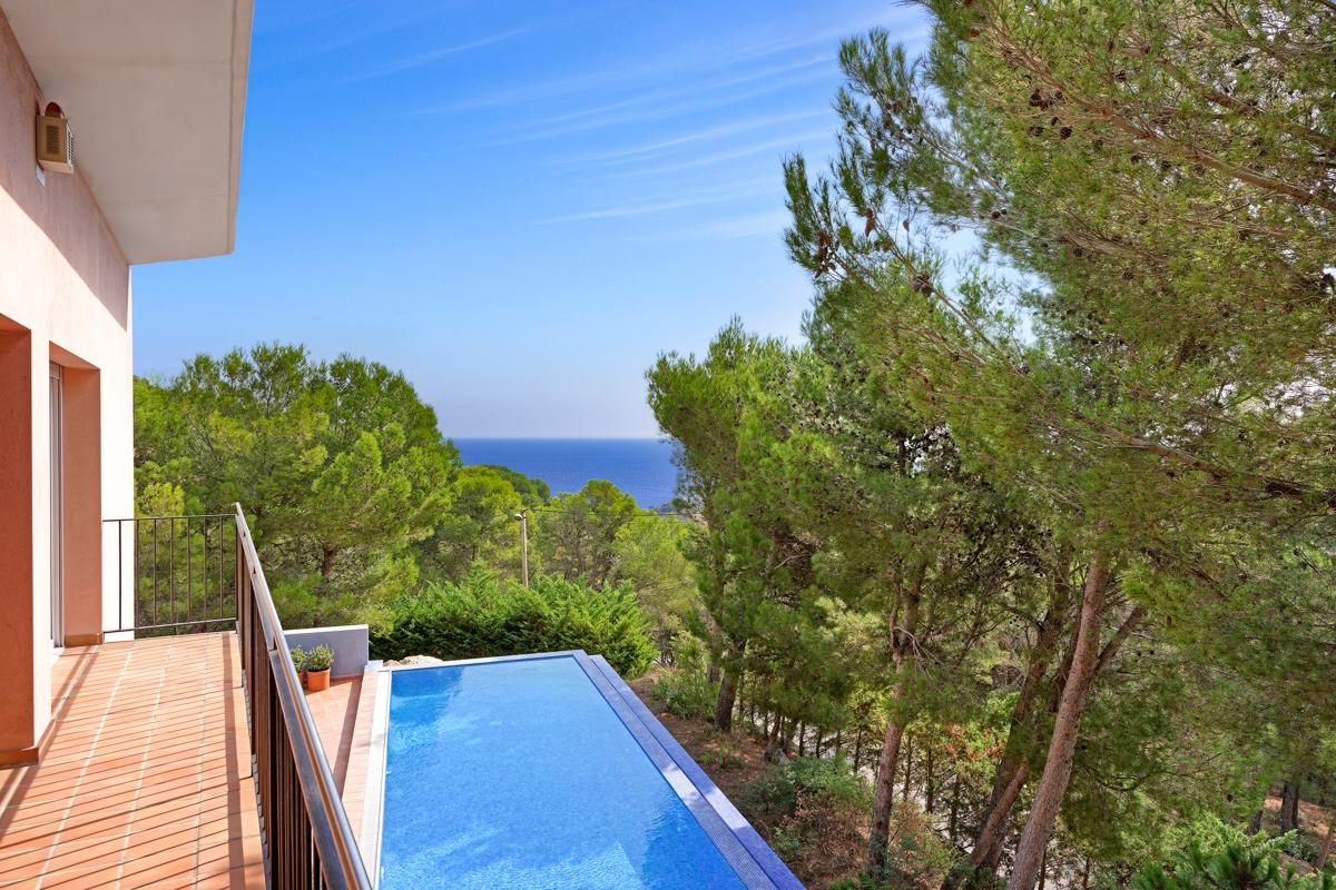 Property Image 2 - Cosy Family Villa with Mediterranean Sea Views