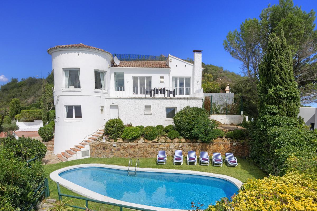 Property Image 1 - Private Villa with Jaw Dropping Sea and Mountain Views