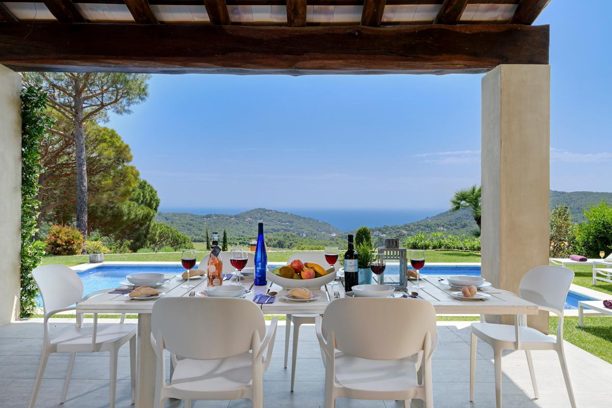 Property Image 2 - Fantastic Contemporary 4 Bedroom Villa with Pool and Beautiful Scenic Viewsin Begur