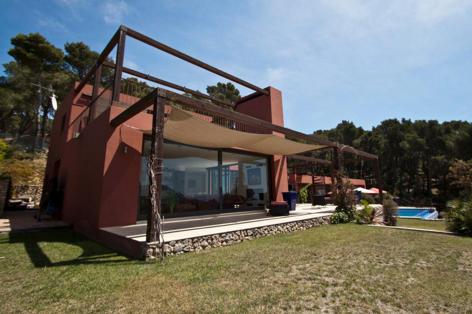Property Image 1 - Contemporary and Stylish Family Villa that Sleeps 8