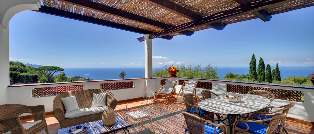 Gorgeous 7-Bedroom Villa with Seaview Terrace and Pool