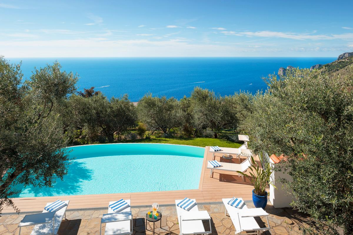 Property Image 2 - Stunning 5-Bedroom Villa with Large Terraces and Views