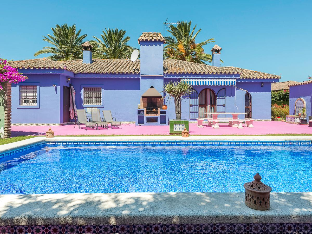 Property Image 2 - Eccentric Colourful 4 Bedroom Villa with Pool in Chiclana de la Frontera