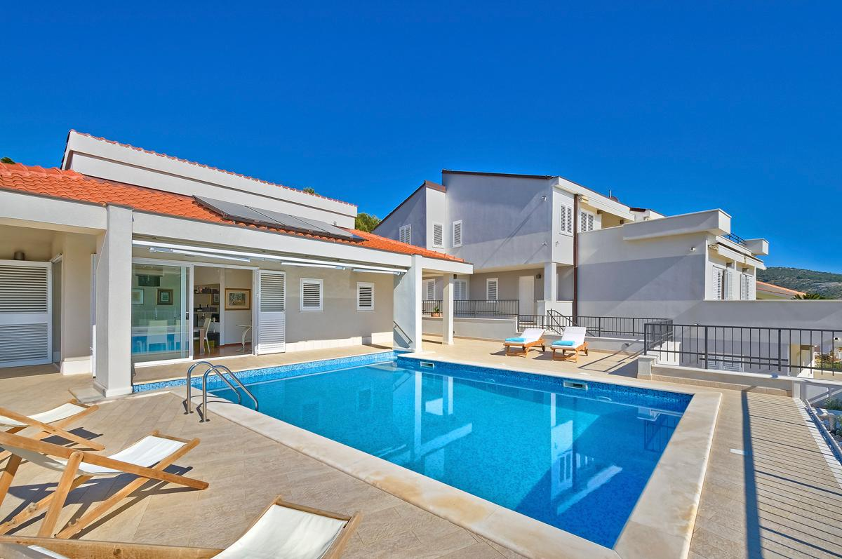 Property Image 1 - Modern Villa with Large Terrace and Gorgeous Sea Views