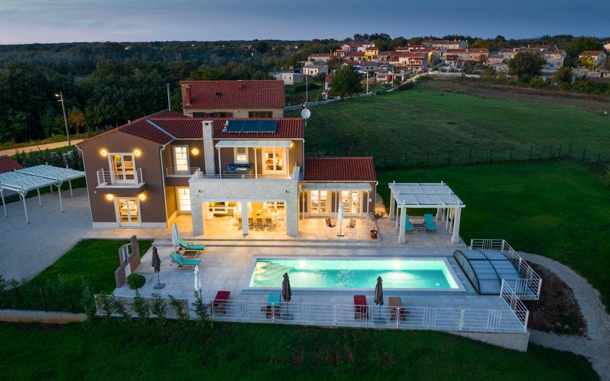 Mediterranean Villa with Beautiful Swimming Pool