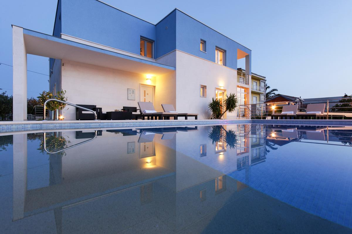 Fantastic Peaceful Villa with Pool, Playground, and Gym