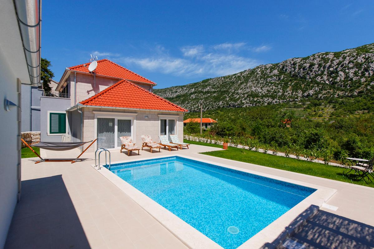 Property Image 1 - Beautiful, Tranquil Villa with Terrace and Pool