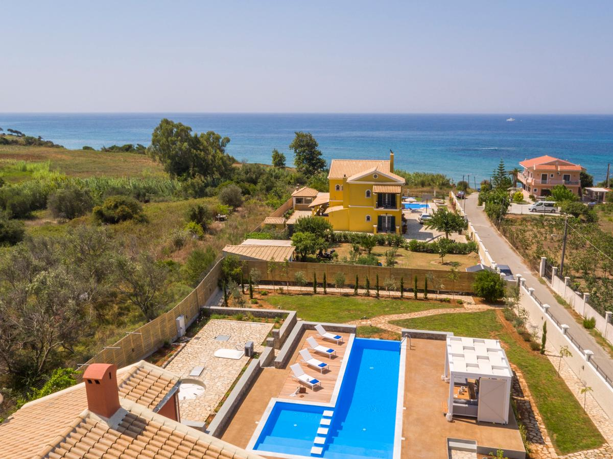 Property Image 2 - Elegant Villa with Ocean Views and Pool