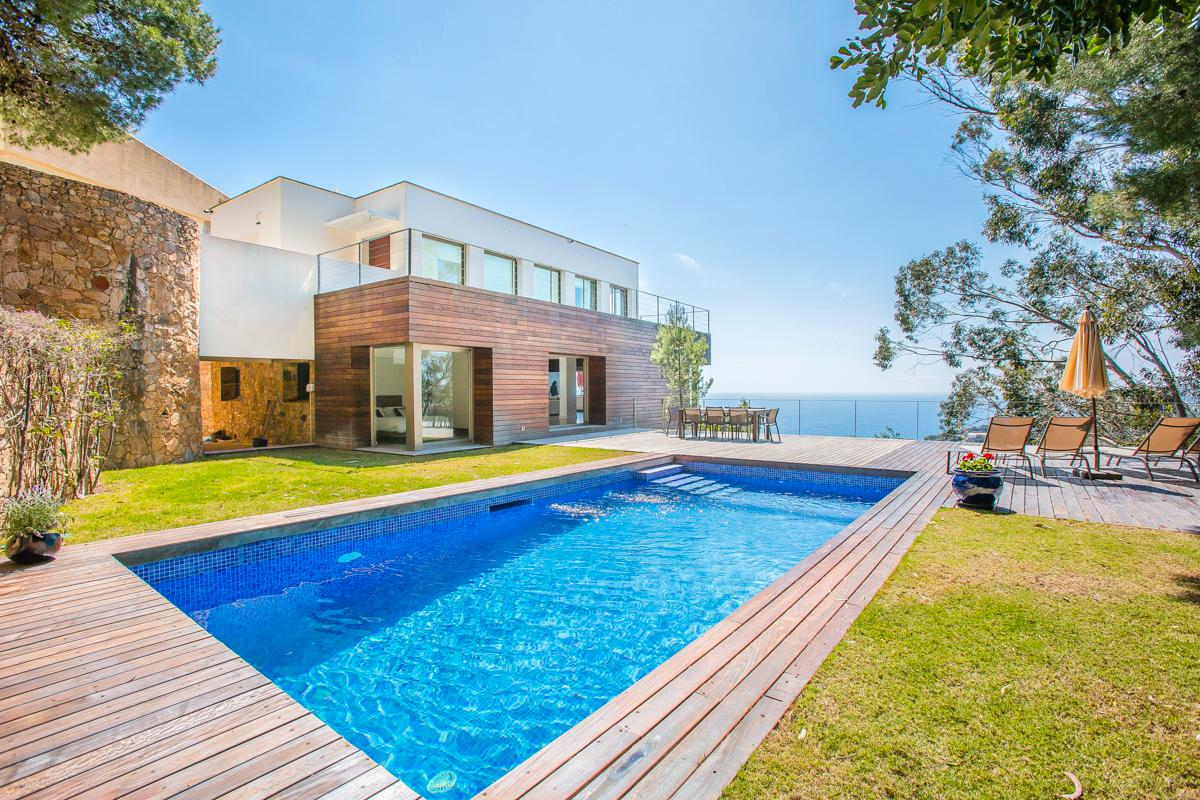 Property Image 1 - Beautiful Villa with Breathtaking Views Over the Sublime Landscape of Costa Brava
