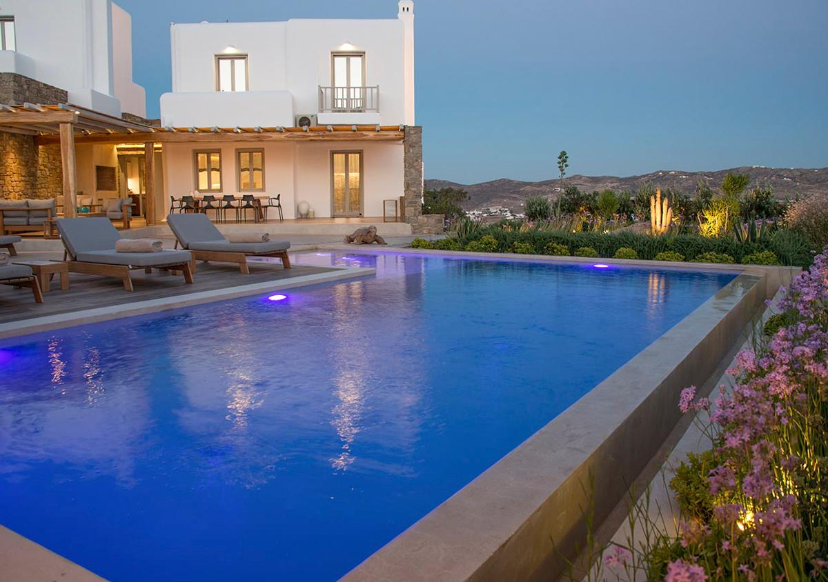 Elegant Villa with Unrivalled Views and Luxurious Pool