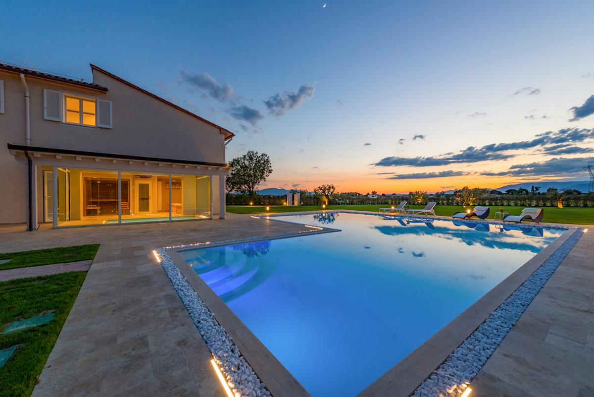 Luxurious Villa offering Countryside Views with Indoor Spa area and Pool