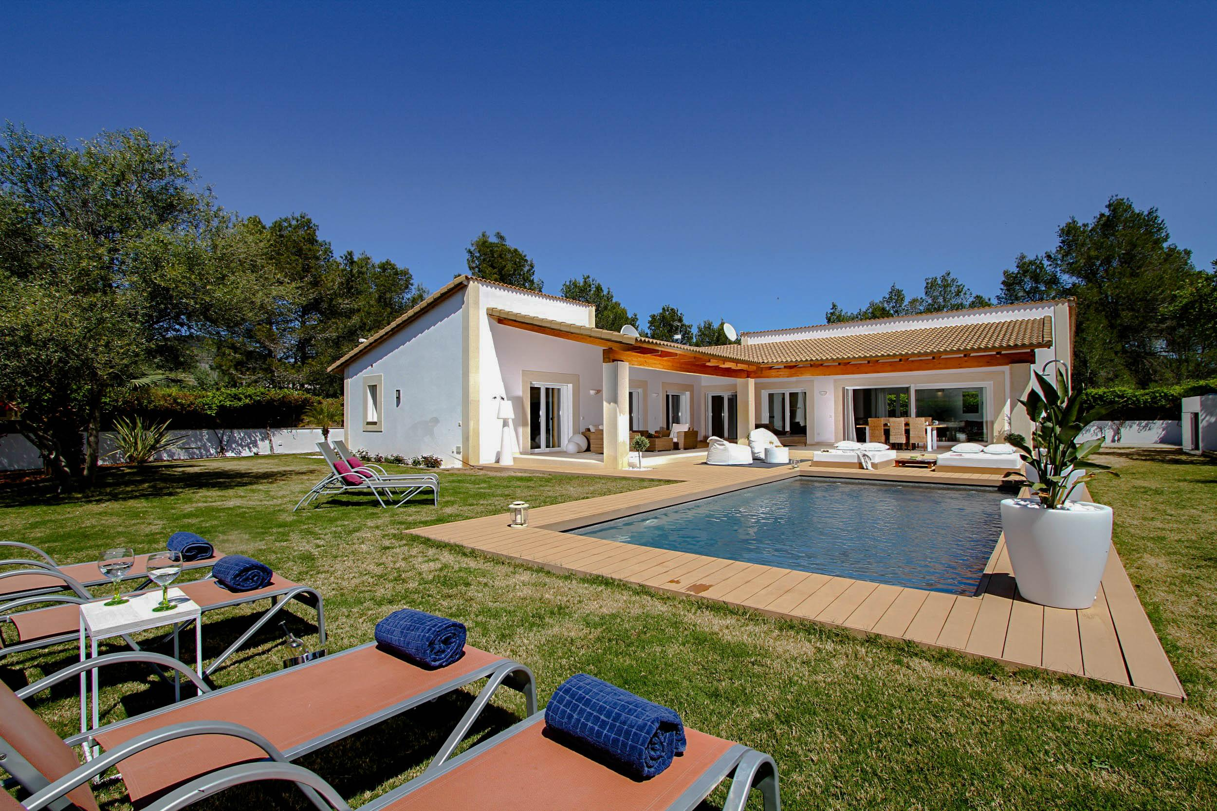 Property Image 1 - Tranquil Open Air Villa with Luxury Style Comfort Throughout and Private Pool