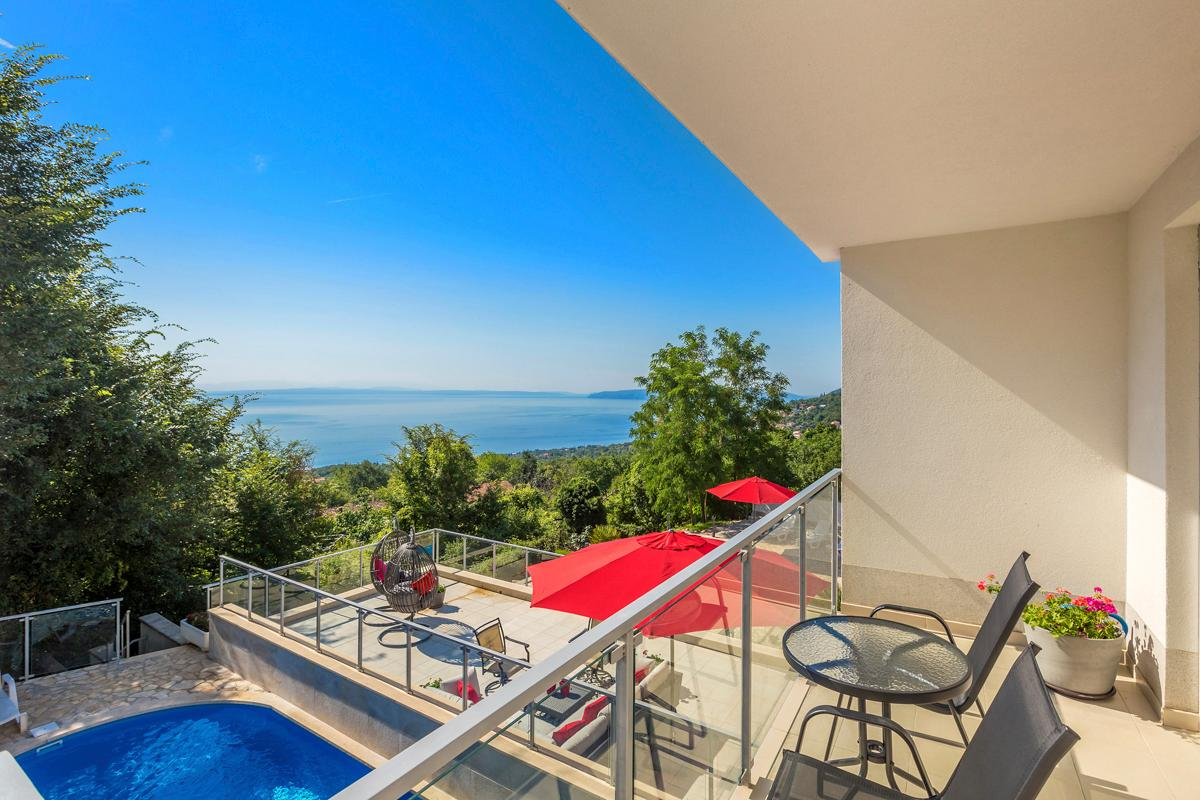 Property Image 2 - Spacious Villa with Spetacular Adriatic Views