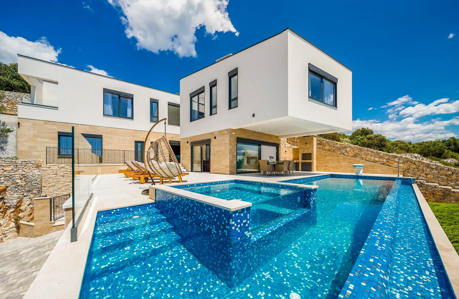 Property Image 1 - Luxurious, Contemporary Villa with Glorious Sea Views