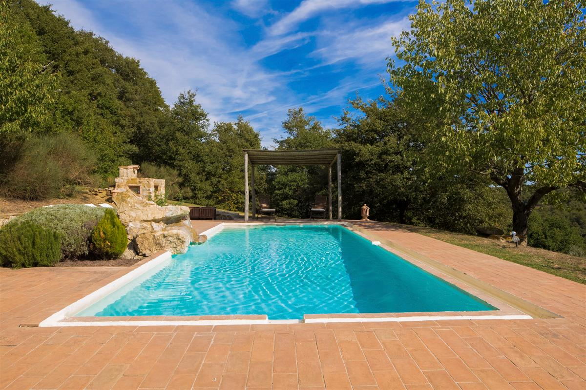 Property Image 2 - Stunning Villa in a Tranquil Setting with Inviting Pool and Incredible Views