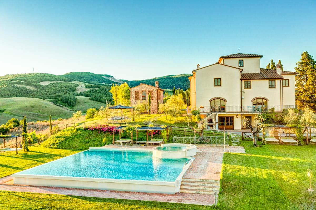 Lovely, Unique Villa with Breathtaking Scenic Views, Pool, and Wine Cellar