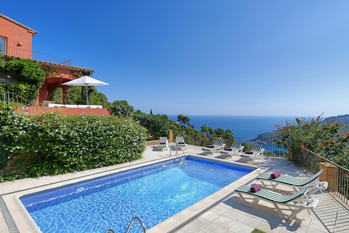 Property Image 1 - Contemporary 4 Bedroom Villa with Pool and Scenic Views in Begur