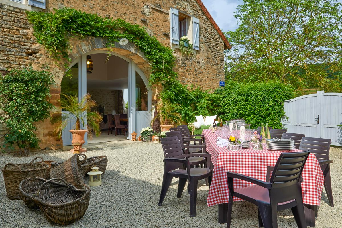 Property Image 1 - Superb 5 Bedroom Historical Farmhouse with Pool Nestled in the Heart of Hidden Burgundy,