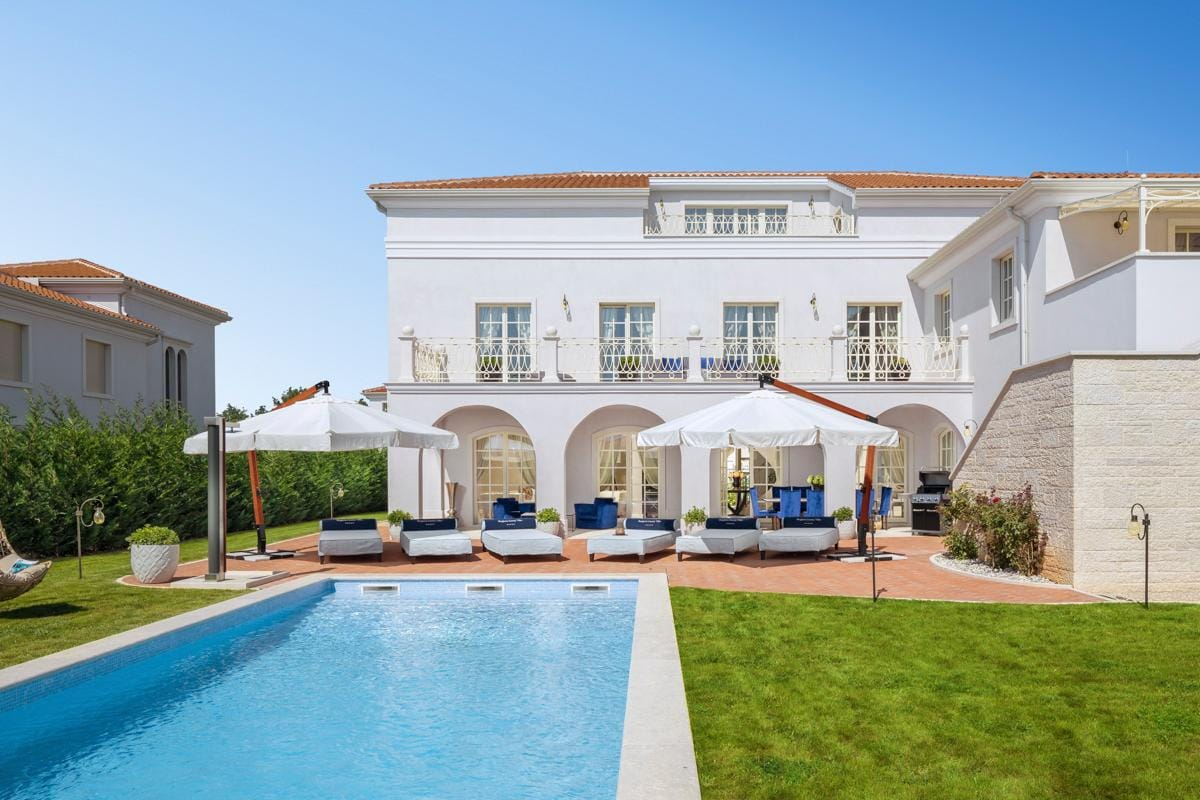 Elegant Villa with a Beautiful Large Terrace and Pool