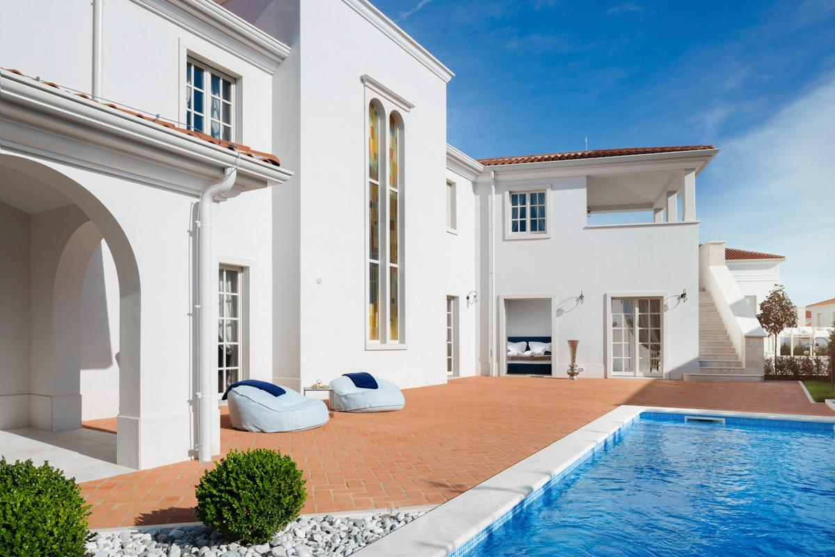 Property Image 1 - Breathtaking Villa with a Gorgeous Pool Setting
