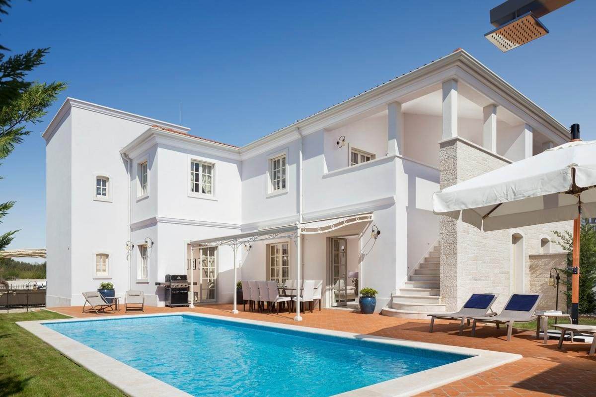 Property Image 1 - Remarkable Villa with Delightful Terrace and Pool