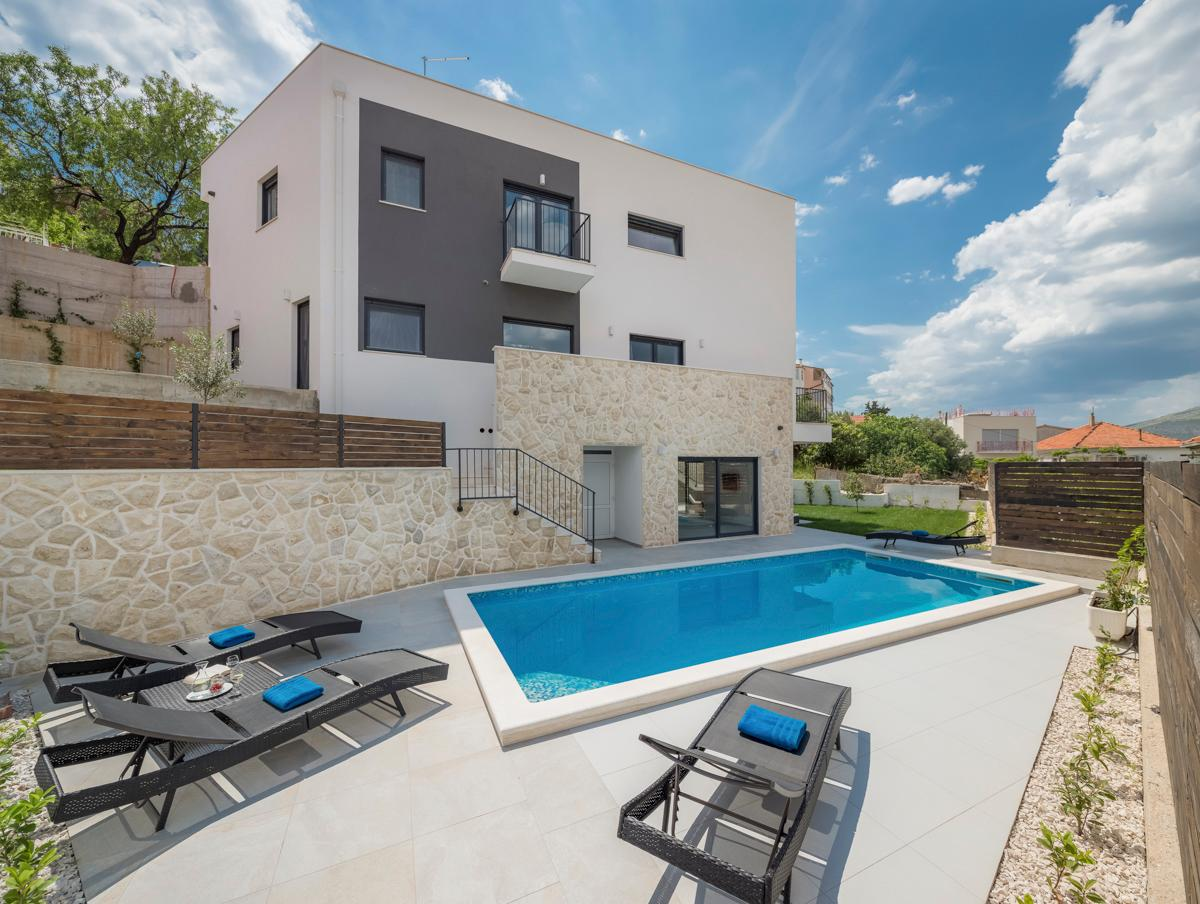 Property Image 1 - Luxurious Ultra-Modern Villa with Heated Pool