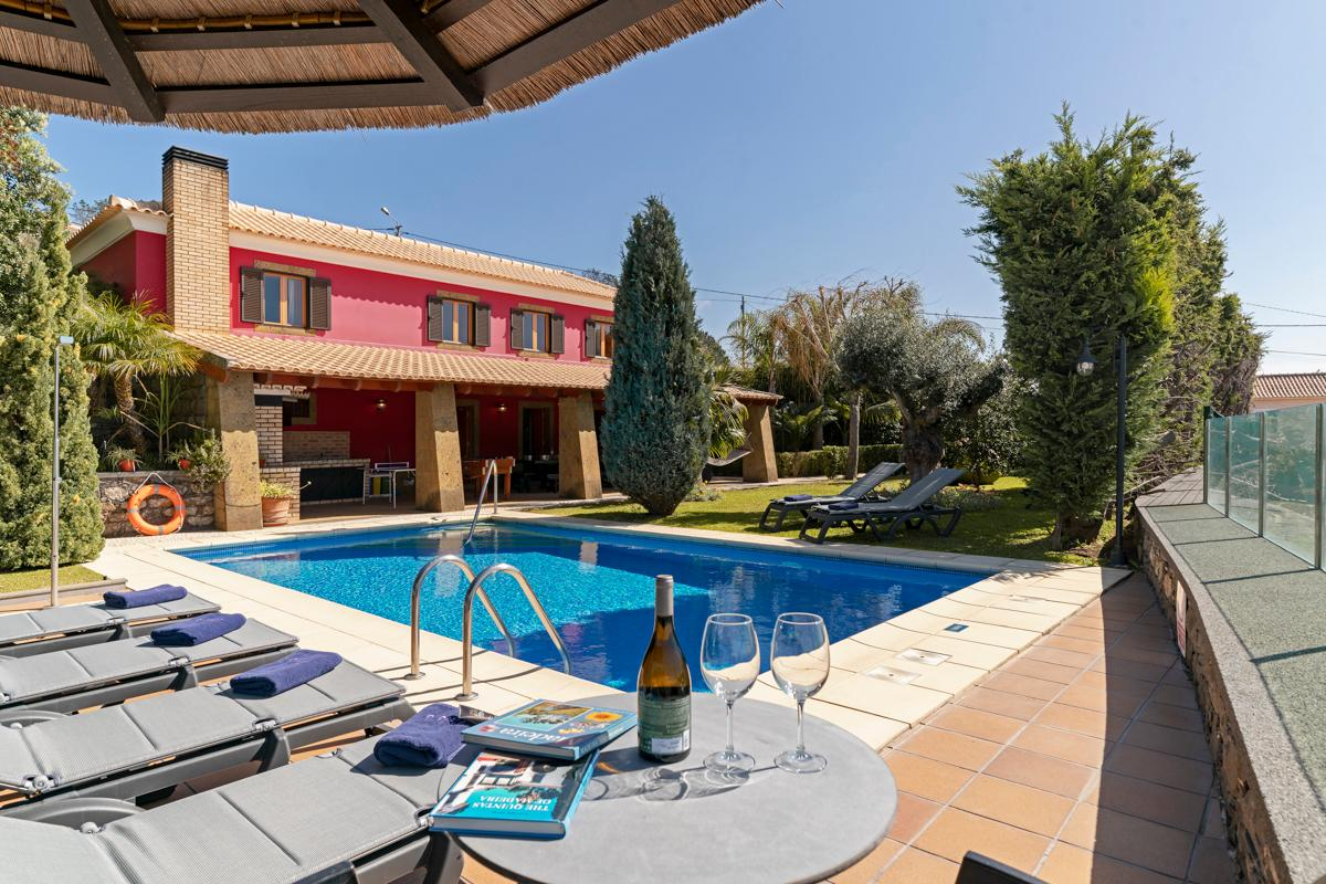 Property Image 1 - Charming Villa close to Village with Sparkling Pool