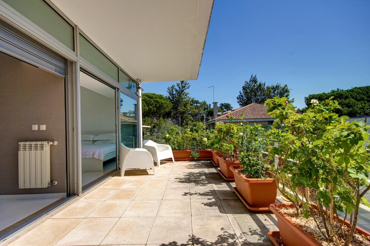 Property Image 2 - Modern Villa with Refreshing Pool and Sea Views