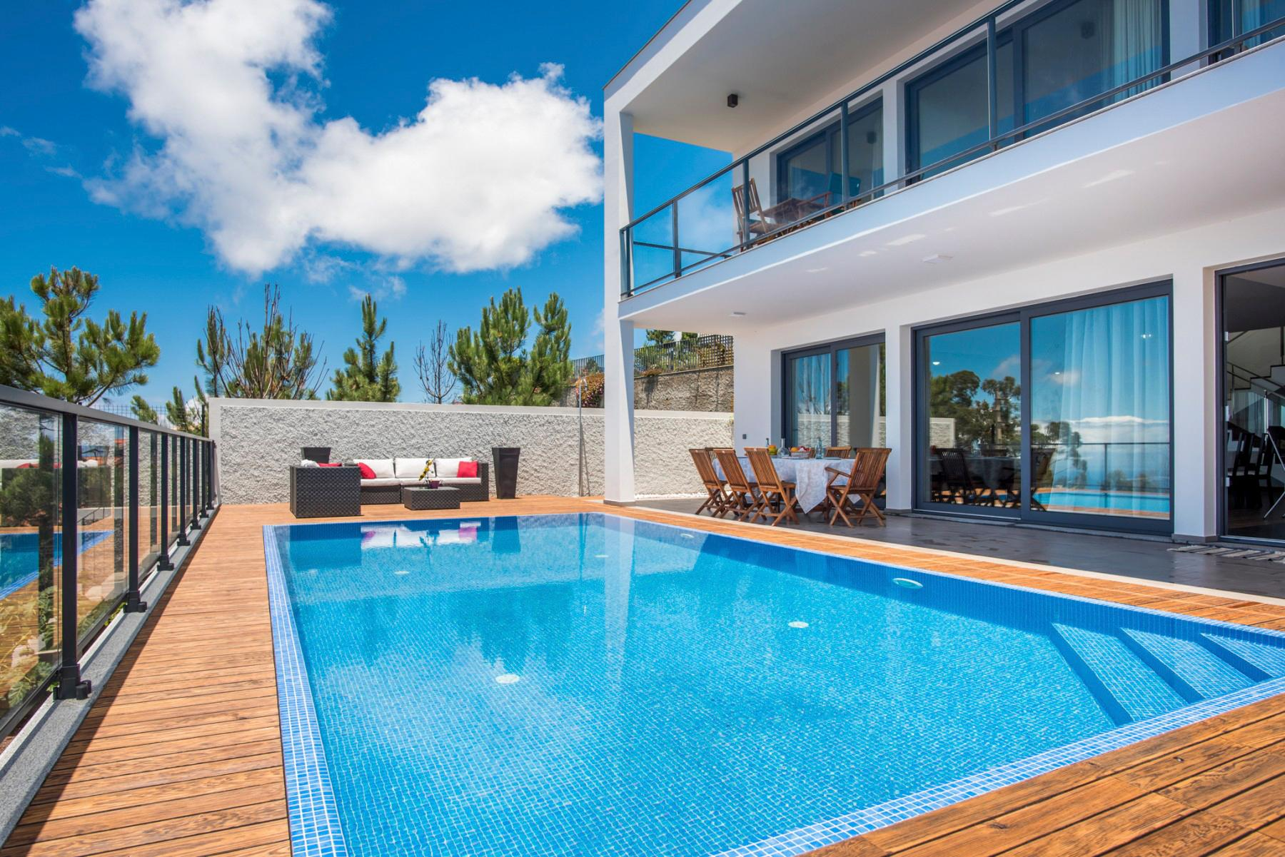 Property Image 1 - Contemporary Villa with Alluring Terrace offering Beautiful Sea Views