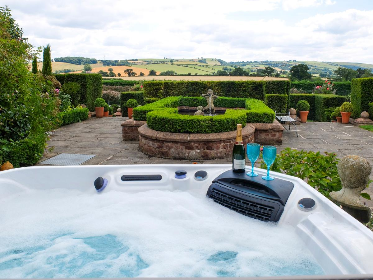 Property Image 2 - Beautiful Chic Country Lodge in the heart of Shropshire Hills