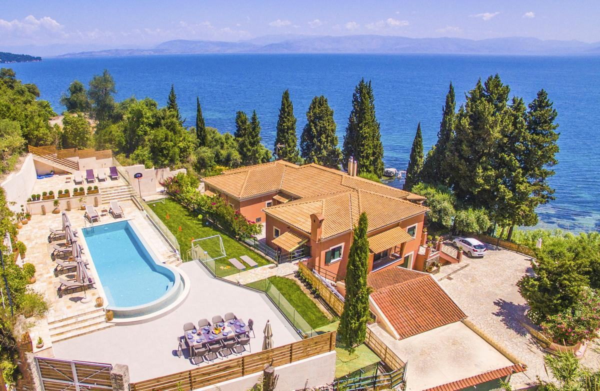 Large Luxury Villa with Impressive Facilities and Views