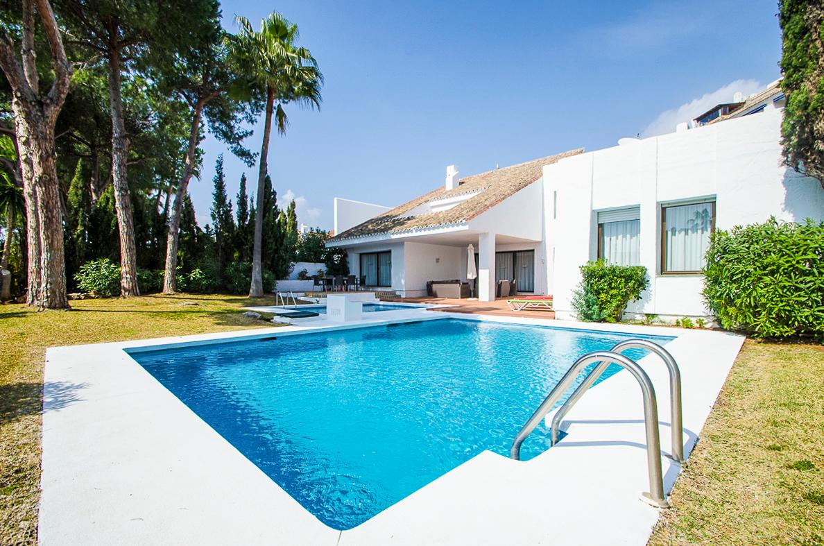 Property Image 1 - Elegant 5-Bedroom Puerto Banus Home with 2 Pools