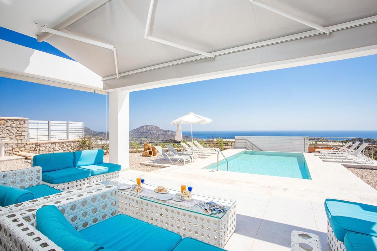 Property Image 2 - Grecian 4 Bedroom Villa Escape with Most Enchanting Views