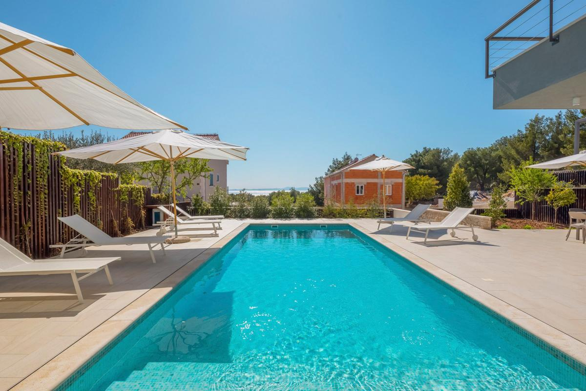 Property Image 2 - Large Villa With Heated Pool and Table Tennis