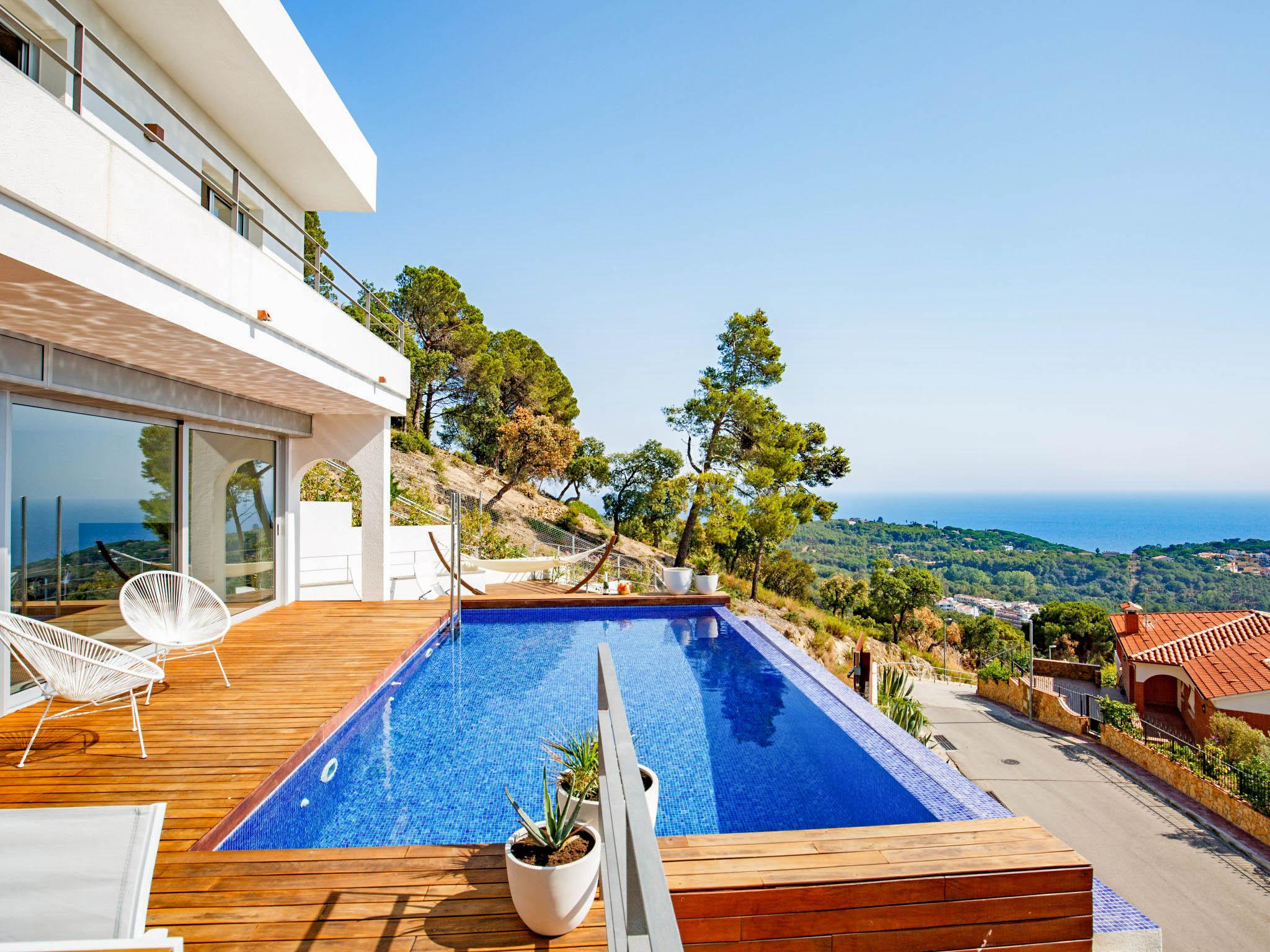 Property Image 1 - Delightful Villa with Pool Overlooking Lloret de Mar