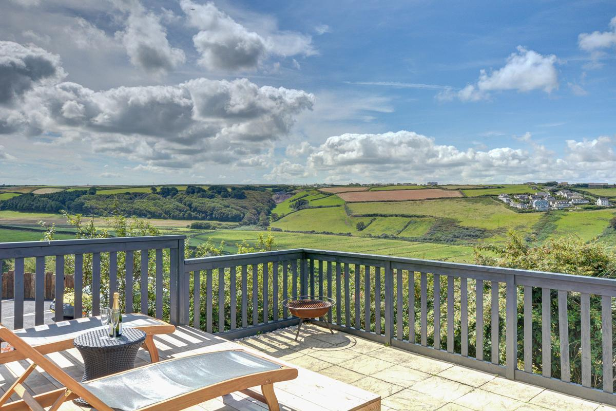 Property Image 1 - Modern Contemporary Stylish Home with Amazing Coastal Views in Cornwall