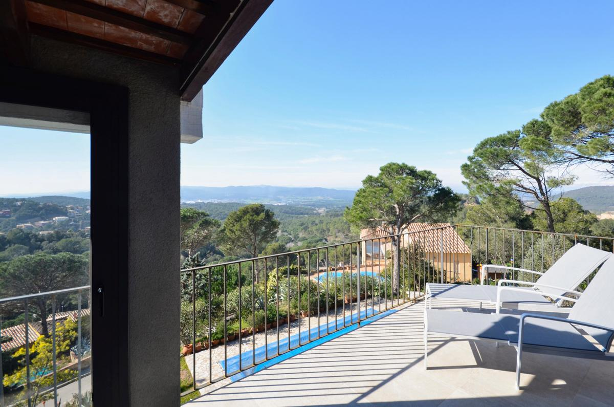 Property Image 2 - Serene Villa Offering Spectacular Views in Begur