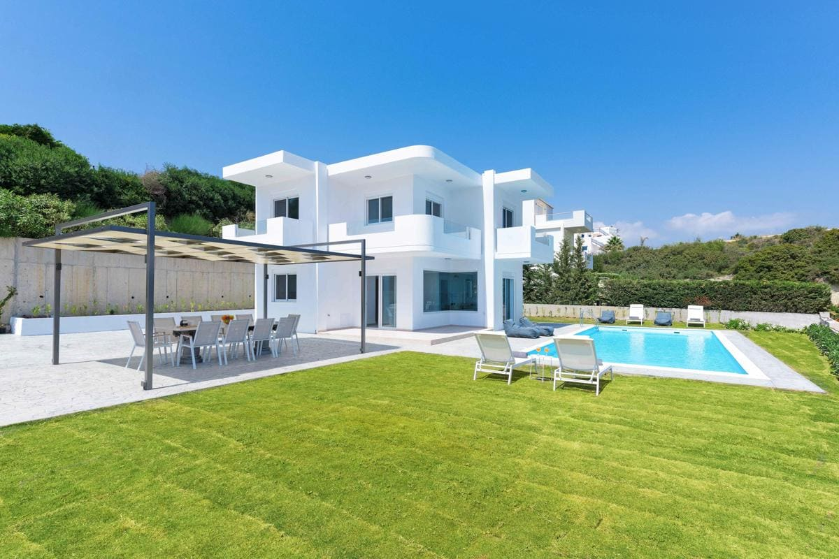 Property Image 1 - Amazing Mediterranean Styled 5 Bedroom Villa with Pool on Rhodes