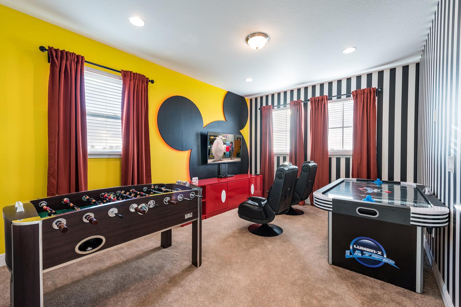 Property Image 1 - Luxurious Home with Game Room near Disney