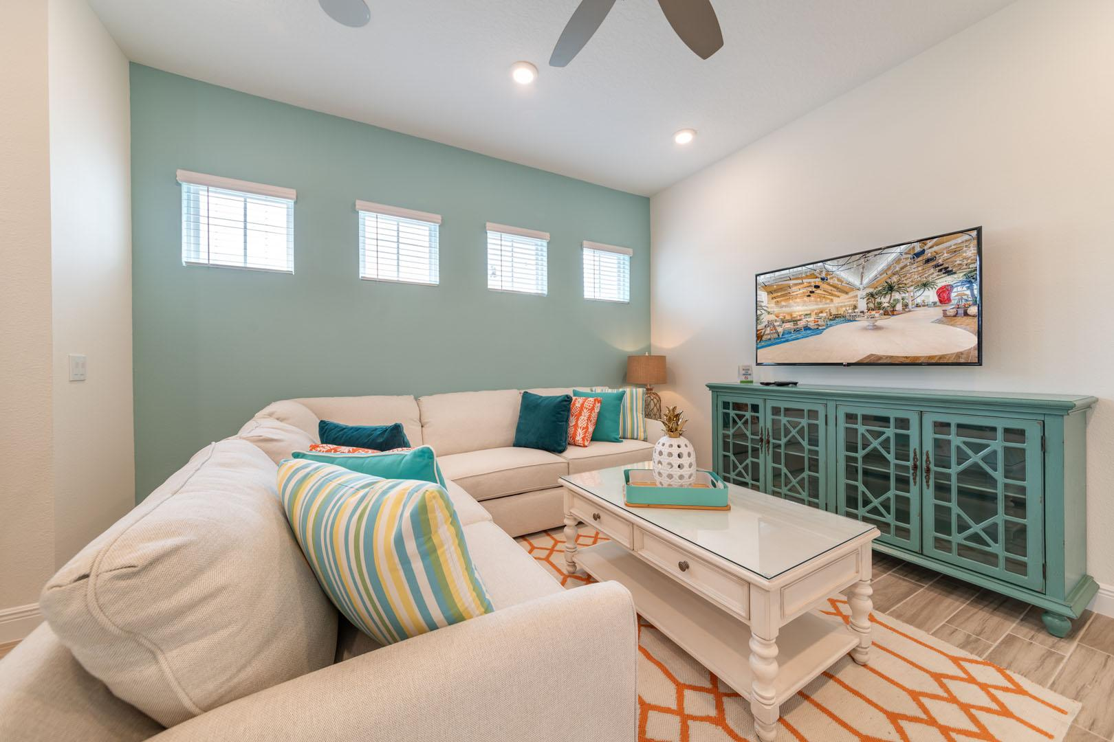 Cheery Cottage near Disney World with Hotel Amenities
