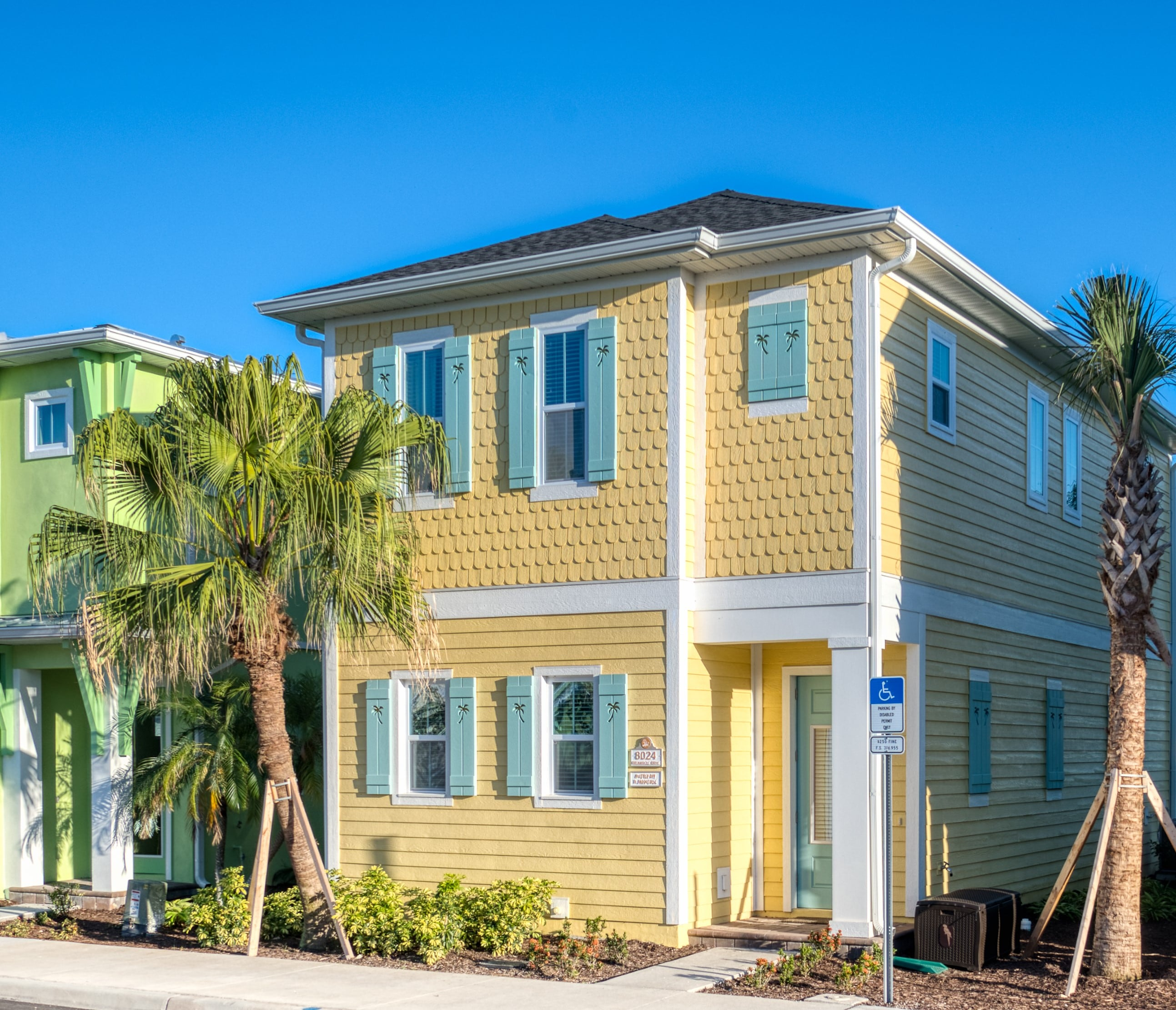 Splendid Cottage with Hotel Amenities near Disney