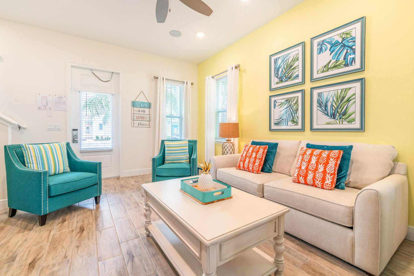 Colorful Cottage with Daily Housekeeping near Disney