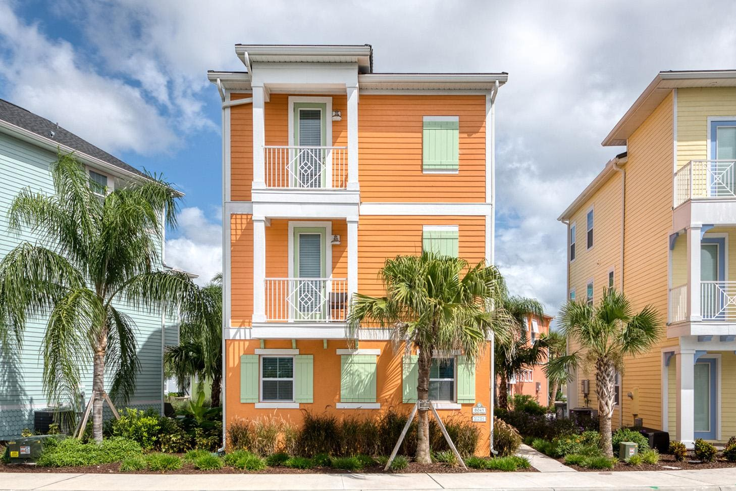 Bright Cottage near Disney World with Hotel Amenities