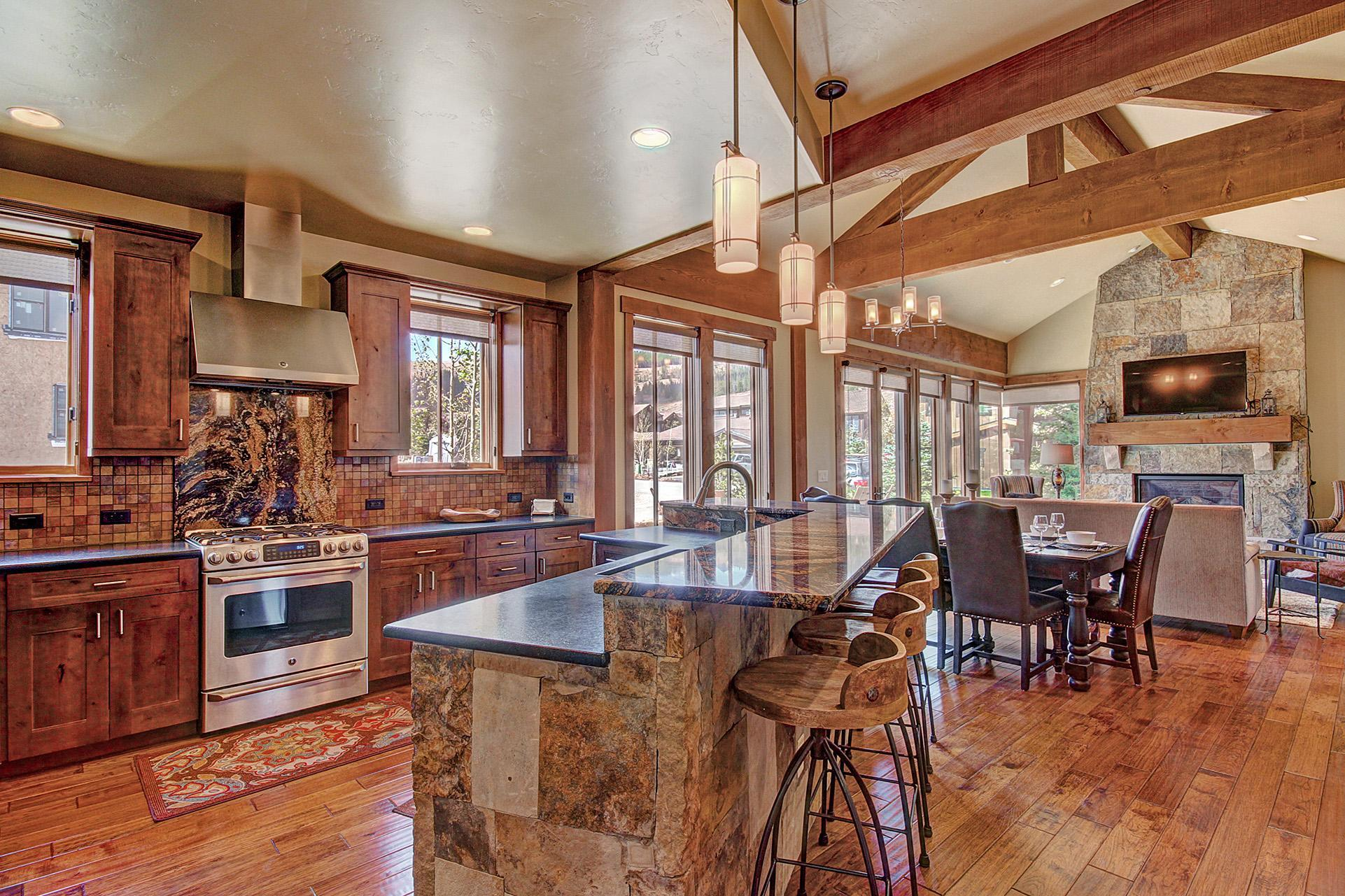 Property Image 2 - Beautiful luxury townhome close to Breckenridge