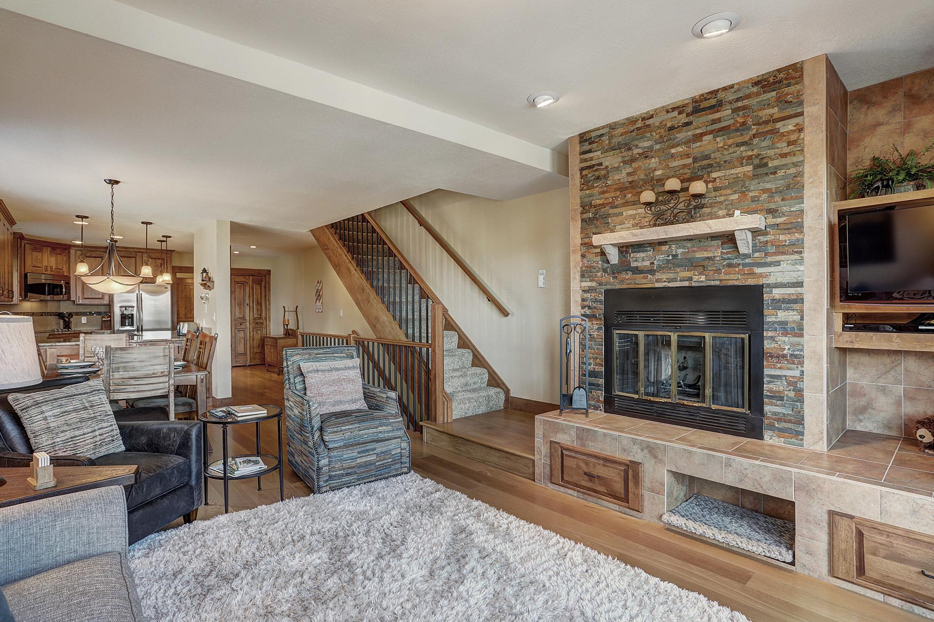 Attractive townhome with views of Breckenridge ski resort