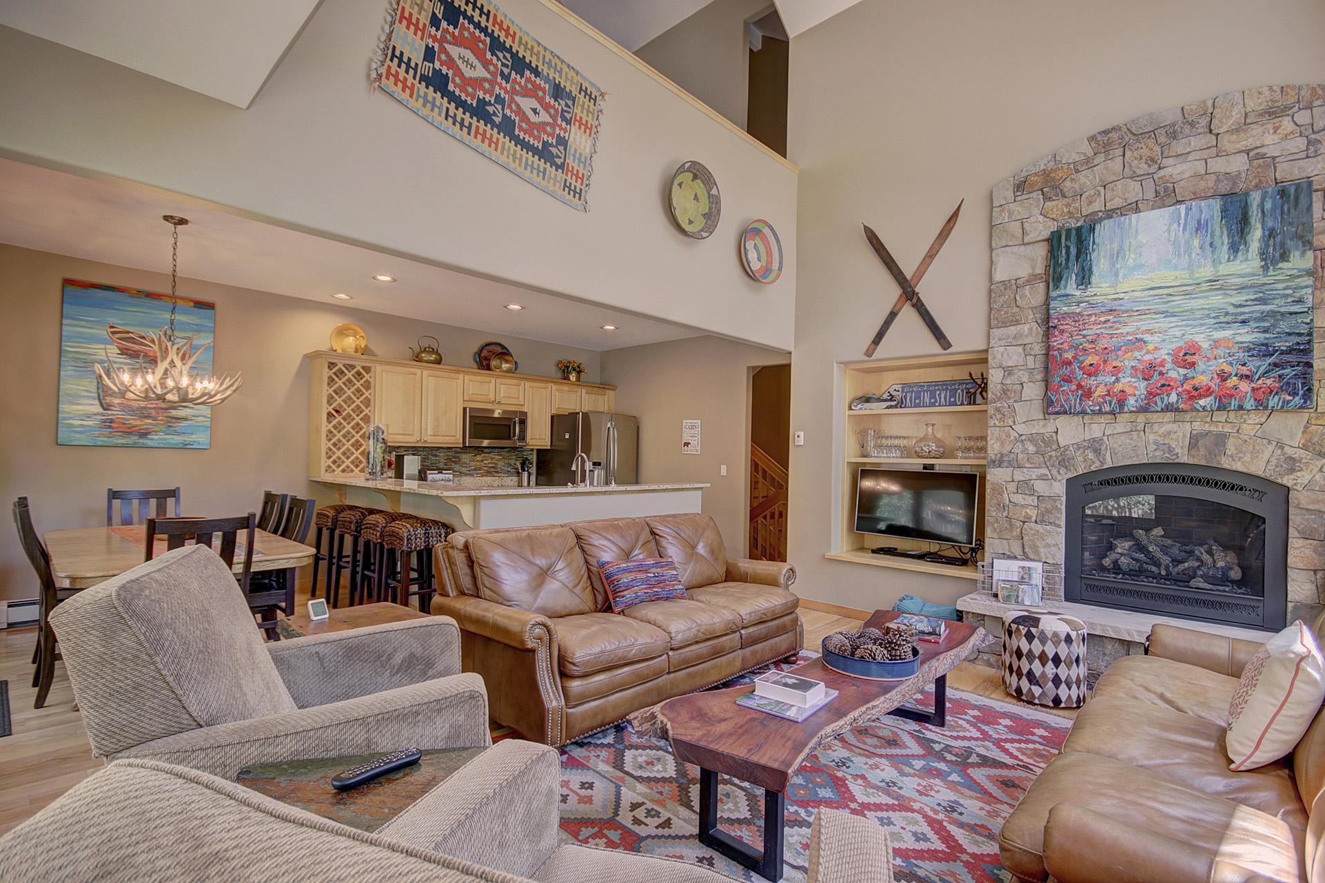 Large 4-level townhome with ski-in access and hot tub